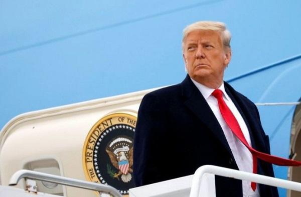 Luật sư đồng loạt xin nghỉ trước phiên luận tội thứ 2 của cựu Tổng thống Donald Trump - Ảnh 1