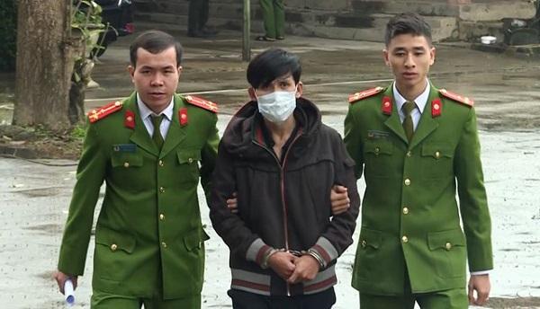 Quảng Bình: Bắt giữ nam thanh niên đi xe taxi vận chuyển 4000 viên ma túy - Ảnh 1
