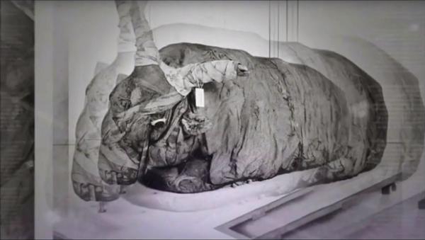 """Cố mở quan tài đá nặng 90 tấn, nhà khoa học ngẩn ngơ vì """"nhân vật"""" bên trong - Ảnh 2"""
