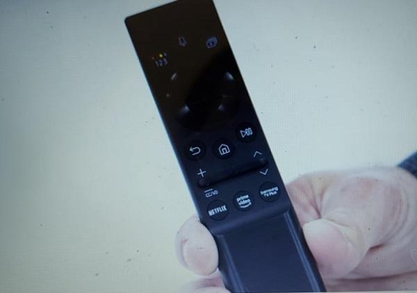 Tin tức công nghệ mới nóng nhất hôm nay 8/1: Samsung ra mắt điều khiển TV trang bị pin mặt trời - Ảnh 1