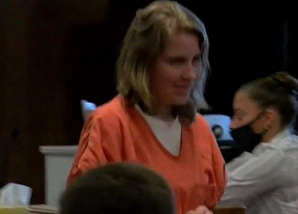 Hầu tòa vì hại chết con gái ruột, người phụ nữ có hành động này khiến ai cũng lạnh người - Ảnh 1