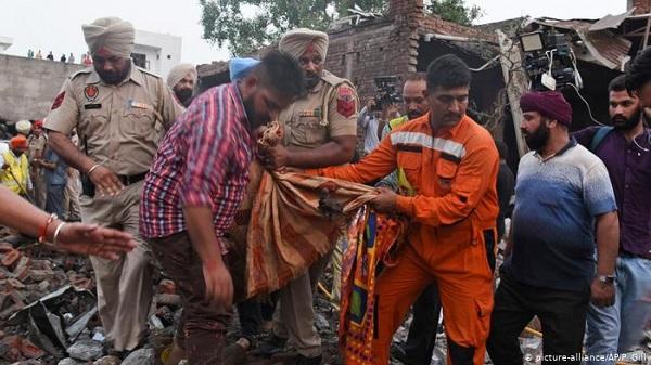 Ấn Độ: Nổ nhà máy pháo hoa, 45 người thương vong - Ảnh 2