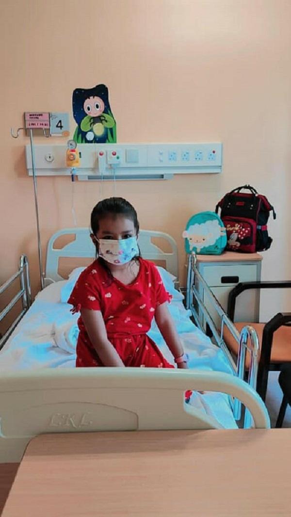 Hoảng hồn bé gái 6 tuổi suýt mù một bên mắt vì đồ vật quen thuộc nhà nào cũng có - Ảnh 3