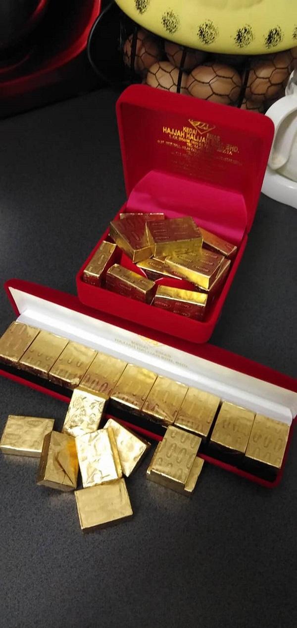"""Tưởng được chồng tặng vàng thỏi lấp lánh, cô vợ hạnh phúc đem khoe rồi """"méo mặt"""" vì sự thực phía sau - Ảnh 3"""