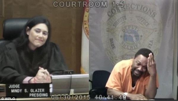 Người đàn ông ra hầu tòa, nữ thẩm phán nói một câu khiến anh ta khóc nức nở, quyết làm lại cuộc đời - Ảnh 2