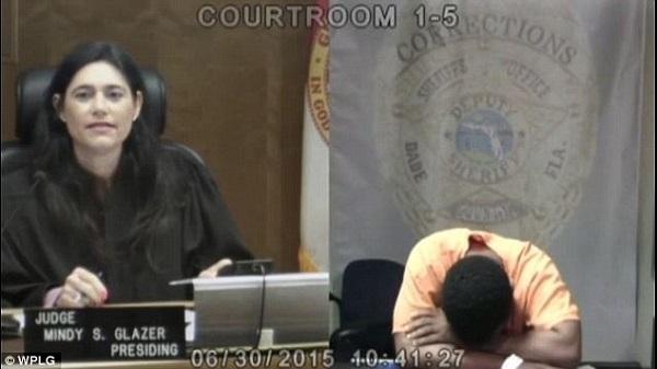 Người đàn ông ra hầu tòa, nữ thẩm phán nói một câu khiến anh ta khóc nức nở, quyết làm lại cuộc đời - Ảnh 3