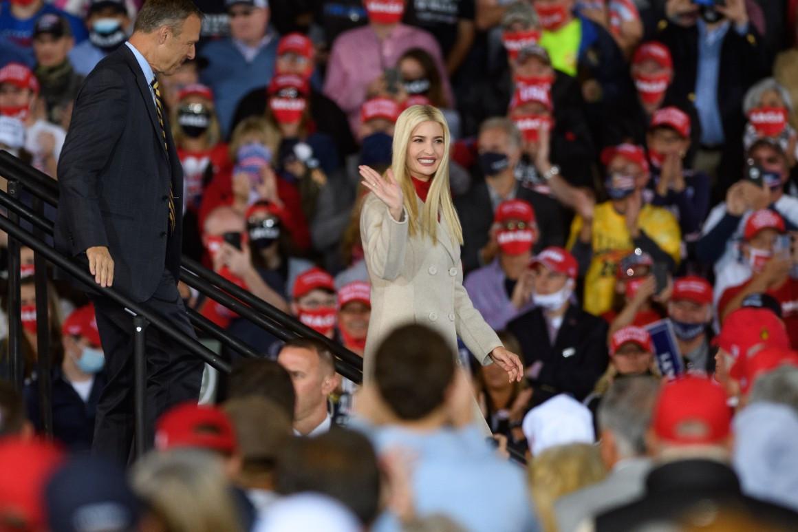 """Bầu cử Mỹ 2020: Ivanka Trump """"xuất trận"""" với kỳ vọng tạo ra bước ngoặt cho cha - Ảnh 3"""