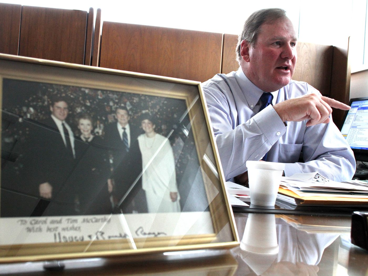 Đặc vụ từng đỡ đạn thay cựu tổng thống Mỹ lần đầu chia sẻ về rủi ro nghề nghiệp - Ảnh 1