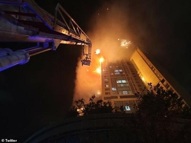 """Ảnh: Đám cháy lớn """"nuốt trọn"""" tòa chung cư 33 tầng ở Hàn Quốc  - Ảnh 8"""