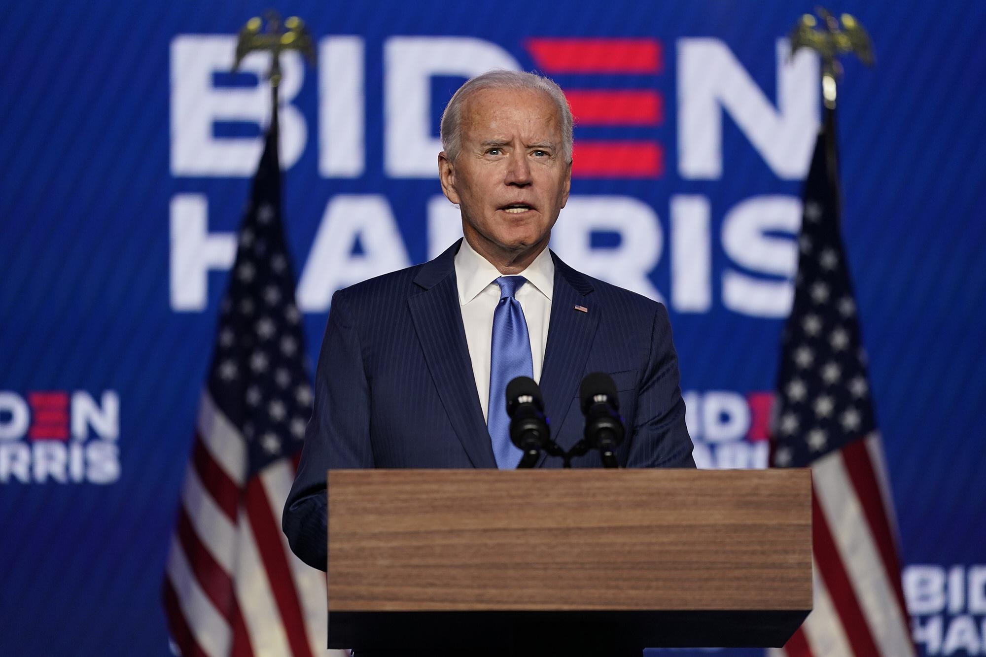 Ông Joe Biden tuyên bố khó có vaccine COVID-19 trong vài tháng tới - Ảnh 1