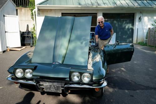 Chiếc xe yêu thích nhất của ứng viên tổng thống Joe Biden và ký ức về cha - Ảnh 3