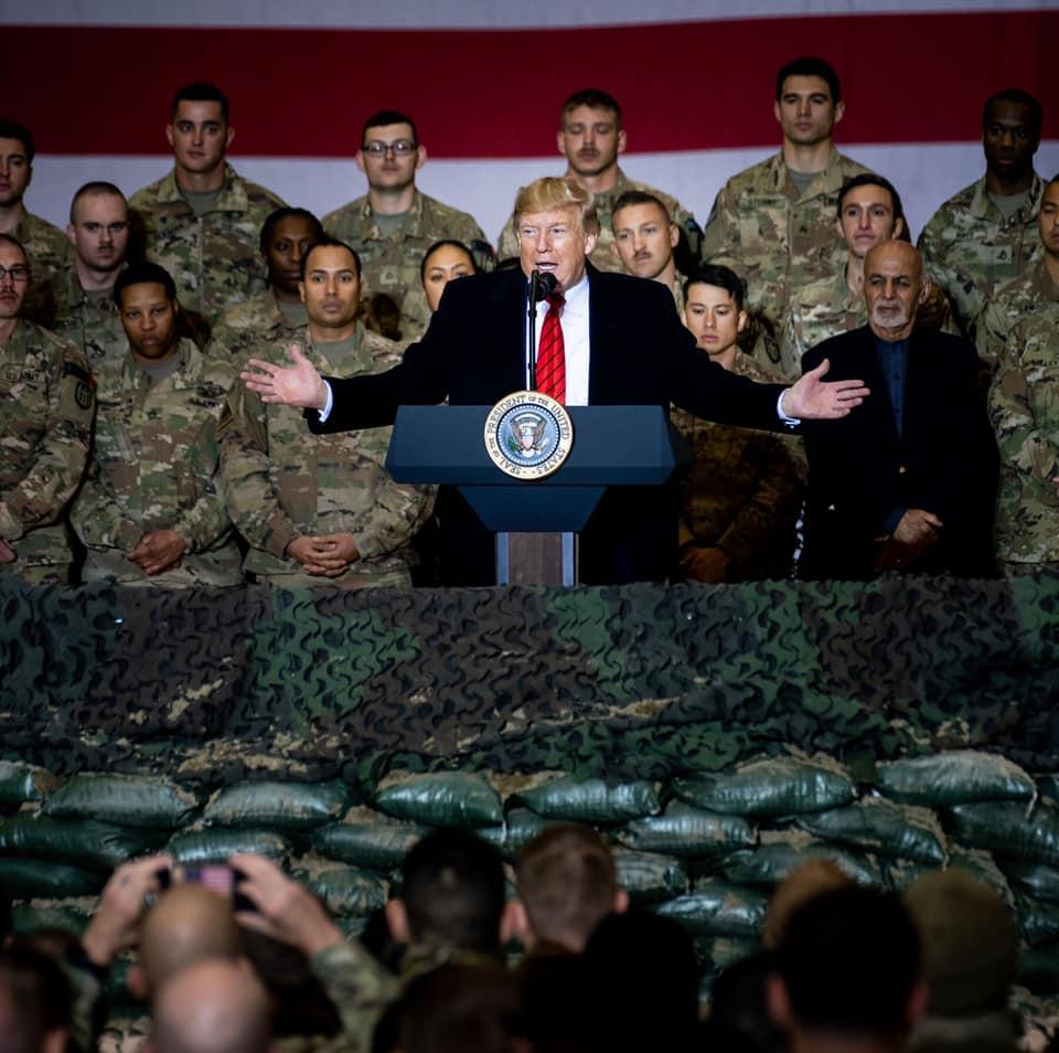 """Nỗ lực """"ghi điểm"""" của Tổng thống Trump trong những ngày cuối nhiệm kỳ  - Ảnh 2"""