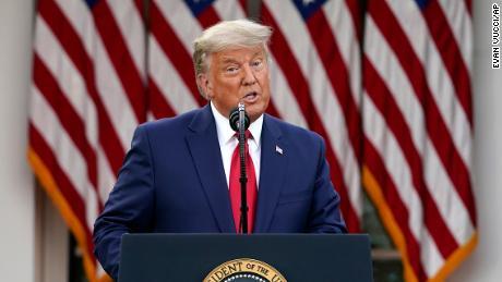 Fox News đề xuất lấy tên Tổng thống Trump đặt cho vaccine COVID-19 - Ảnh 1