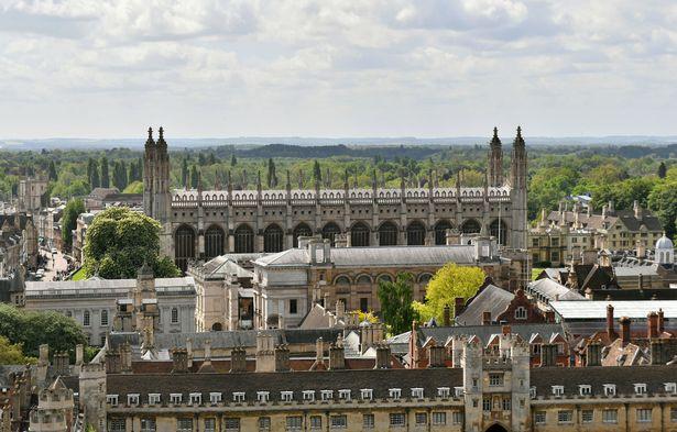 Đại học Cambridge cảnh báo sinh viên không được rời ký túc xá nếu muốn tốt nghiệp - Ảnh 1