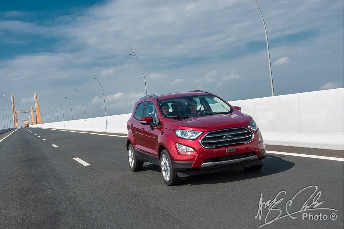 Bảng giá xe Ford mới nhất tháng 11/2020: Ra mắt Ford EcoSport 2020 bản nâng cấp - Ảnh 1
