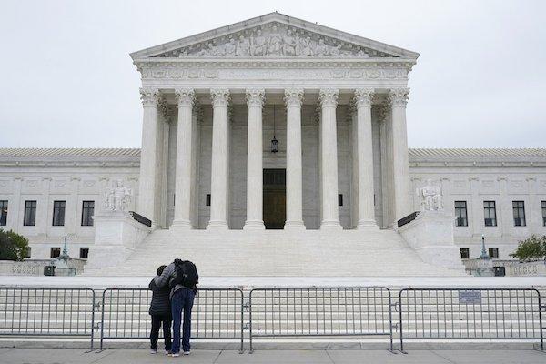 """Toà án Tối cao """"giáng đòn"""" mạnh lên nỗ lực lật ngược kết quả bầu cử của Texas - Ảnh 1"""