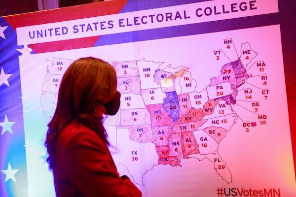 Tranh cãi về vai trò của Đại cử tri đoàn trong cuộc bầu cử tổng thống Mỹ - Ảnh 1