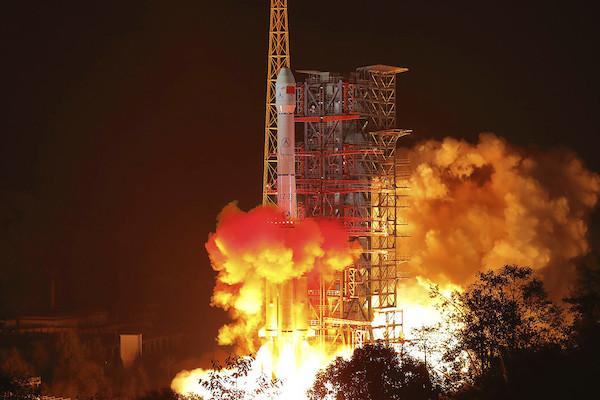 Cố vấn của ông Biden đề xuất hợp tác với Trung Quốc trong lĩnh vực không gian - Ảnh 1