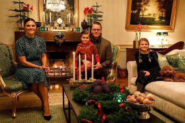 """Ảnh Giáng sinh của các gia đình hoàng gia thế giới: Hoàng tử Bỉ """"lột xác"""" hoàn hảo, chiếm """"spotlight"""" của gia đình Công nương Anh - Ảnh 5"""
