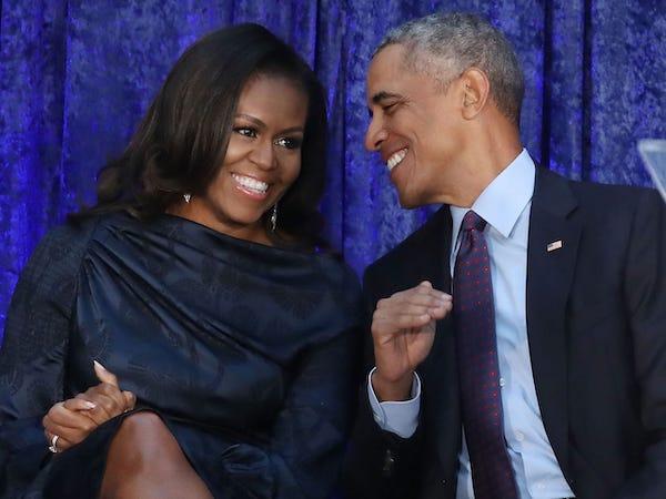Vợ chồng cựu Tổng thống Obama kiếm được bao nhiêu tiền sau khi rời Nhà Trắng? - Ảnh 1