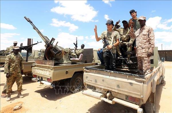 Tin tức quân sự mới nhất ngày 28/12: Lính dù quân đội Nga thử nghiệm pháo tự hành thả từ máy bay - Ảnh 2