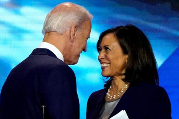 Chân dung Thượng nghị sĩ Kamala Harris, nữ phó tướng tranh cử Tổng thống Mỹ cùng ông Joe Biden - Ảnh 1