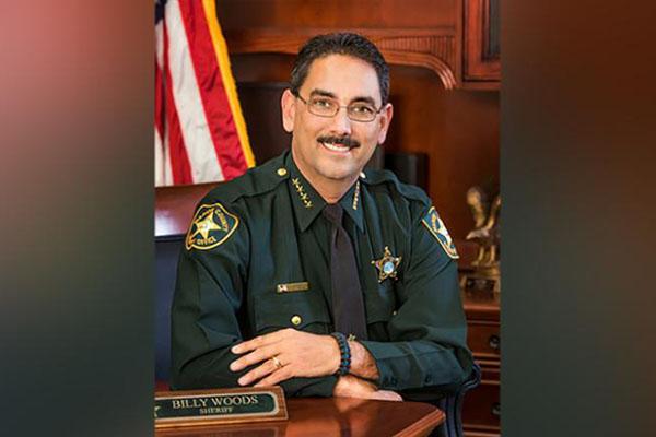 Cảnh sát trưởng Mỹ cấm nhân viên đeo khẩu trang - Ảnh 1