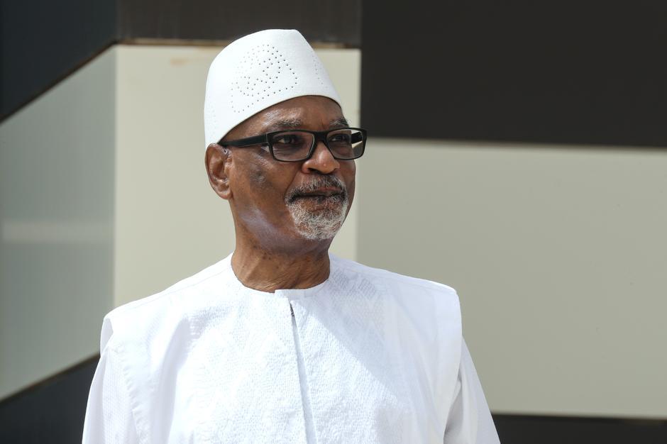 Tổng thống Mali từ chức sau khi bị quân nổi dậy bắt giữ  - Ảnh 1