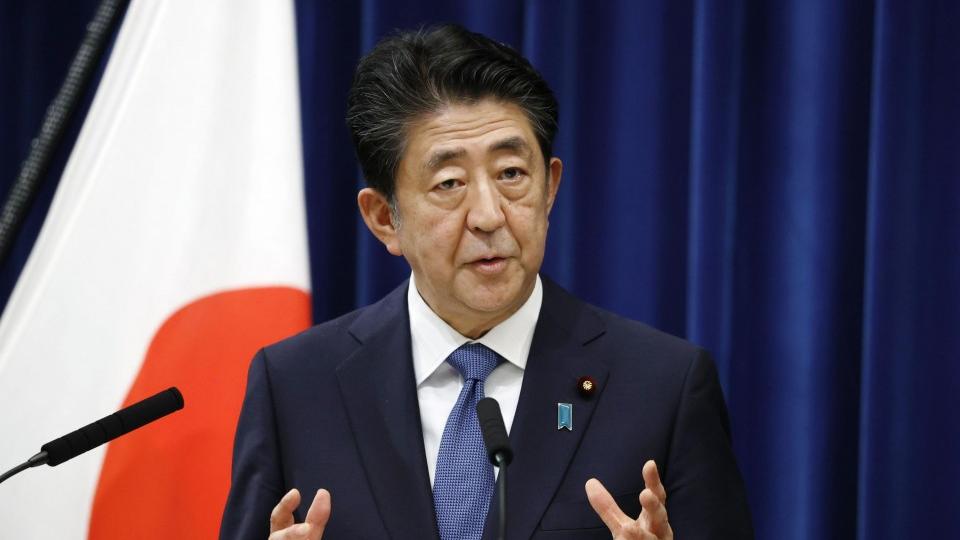 Cuộc đua vào ghế Thủ tướng Nhật Bản: Trọng trách nặng nề của người kế nhiệm ông Abe là gì? - Ảnh 1