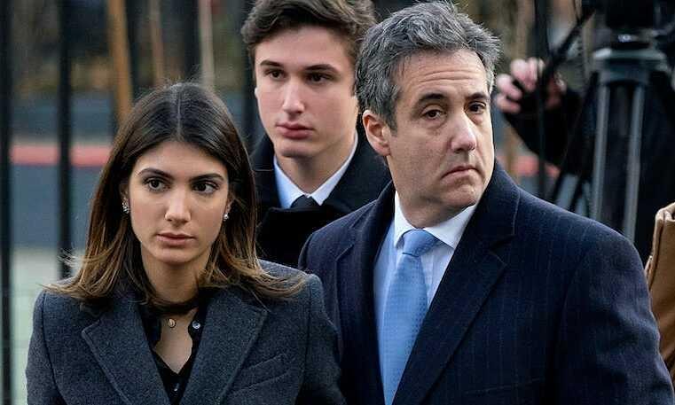 """Con gái ông Micheal Cohen công khai chỉ trích """"công chúa"""" nhà ông Donald Trump - Ảnh 1"""