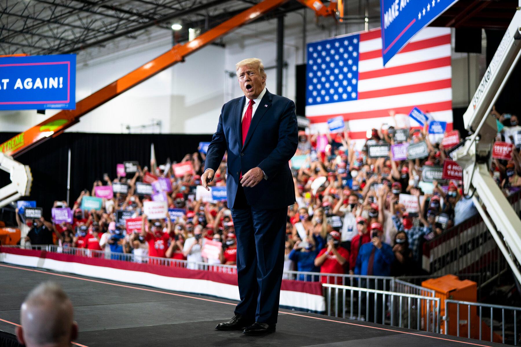 """Người ủng hộ ông Donald Trump đòi """"nhốt"""" cựu Tổng thống Barack Obama - Ảnh 1"""