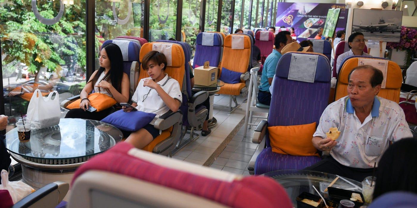 Bên trong nhà hàng phục vụ suất ăn máy bay độc đáo của Thai Airways trong mùa dịch COVID-19 - Ảnh 1