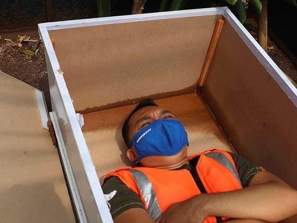 """Choáng với những hình thức phòng dịch kỳ lạ """"độc nhất vô nhị"""" ở Indonesia - Ảnh 2"""