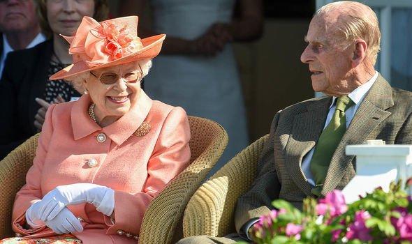 Kết hôn với Nữ hoàng hơn 70 năm, tại sao Hoàng thân Phillip chưa từng được gọi là Vua? - Ảnh 2