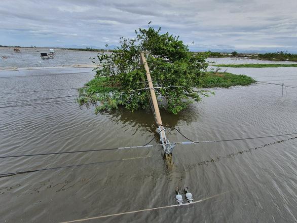 Chủ tịch tỉnh Thừa Thiên - Huế yêu cầu làm rõ chất lượng cột điện - Ảnh 2