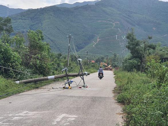 Chủ tịch tỉnh Thừa Thiên - Huế yêu cầu làm rõ chất lượng cột điện - Ảnh 3