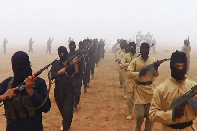 Chiến sự Syria: Quân đội thương vong nghiêm trọng sau vụ phục kích của IS - Ảnh 1