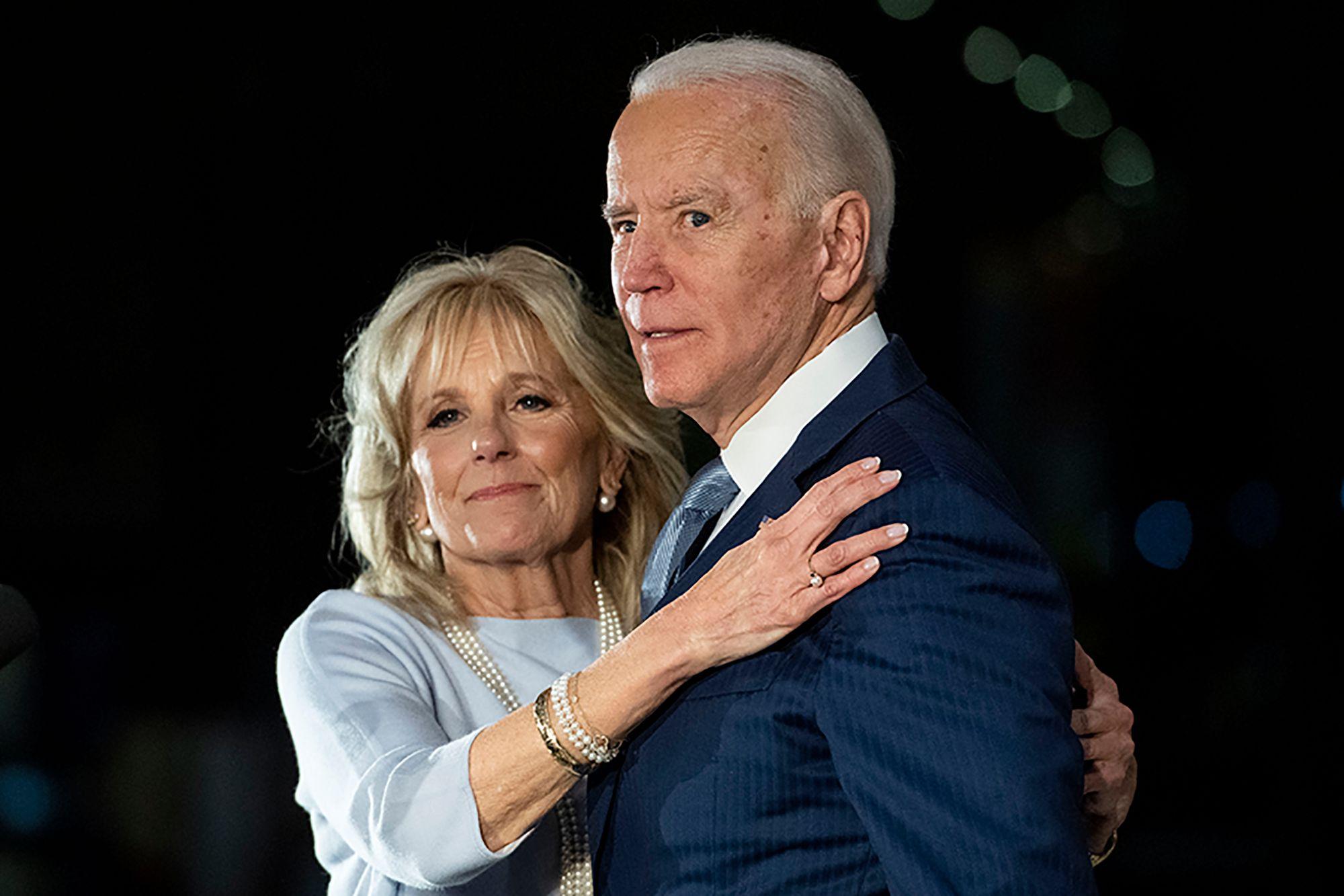 """Ông Joe Biden và chuyện tình sau """"đống đổ nát của những mất mát"""" với người vợ chung sống 43 năm - Ảnh 3"""