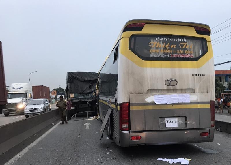 Xe giường nằm tông thẳng đuôi xe tải, lái xe tử vong tại chỗ - Ảnh 3