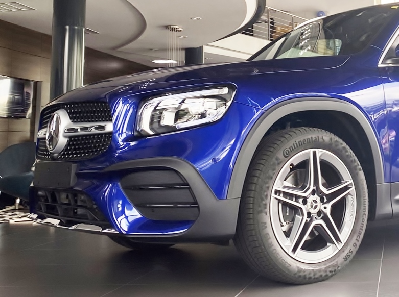 Bảng giá xe Mercedes-Benz mới nhất tháng 9/2020: 'Tân binh' SUV GLB 200 AMG, vừa ra mắt giá 1,999 tỷ đồng - Ảnh 2