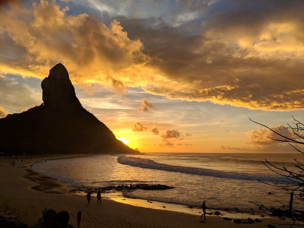 Hòn đảo 'thiên đường' ở Brazil với quy định kỳ lạ: Chỉ mở cửa đón du khách từng mắc COVID-19 - Ảnh 2