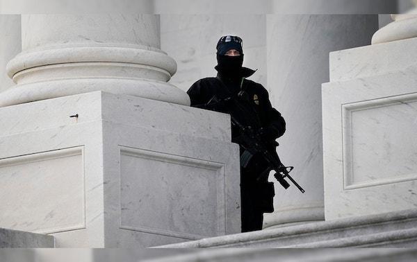 """Thủ đô Washington """"căng mình"""" trước thềm lễ nhậm chức của Tổng thống đắc cử Joe Biden - Ảnh 3"""