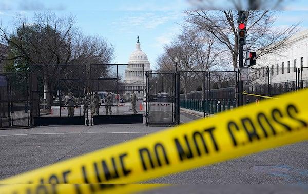 """Thủ đô Washington """"căng mình"""" trước thềm lễ nhậm chức của Tổng thống đắc cử Joe Biden - Ảnh 7"""