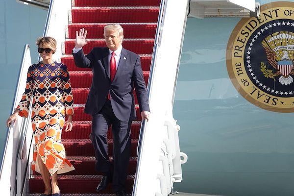 Kết thúc nhiệm kỳ, cựu Tổng thống Trump được chào đón nồng nhiệt tại Florida - Ảnh 1