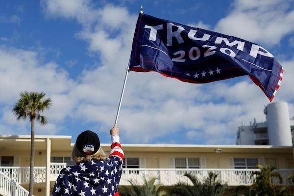 Kết thúc nhiệm kỳ, cựu Tổng thống Trump được chào đón nồng nhiệt tại Florida - Ảnh 9