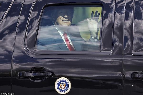 Kết thúc nhiệm kỳ, cựu Tổng thống Trump được chào đón nồng nhiệt tại Florida - Ảnh 3