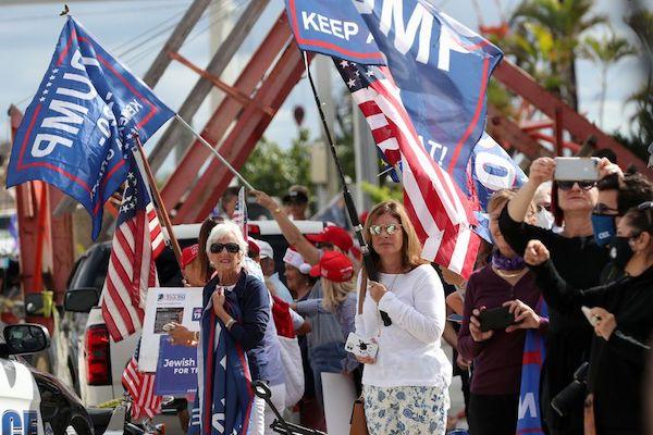 Kết thúc nhiệm kỳ, cựu Tổng thống Trump được chào đón nồng nhiệt tại Florida - Ảnh 12