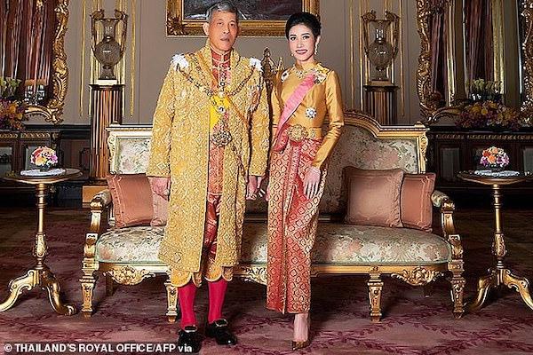 Nhà vua Thái Lan bất ngờ phong hoàng quý phi lên làm hoàng hậu thứ 2 - Ảnh 3