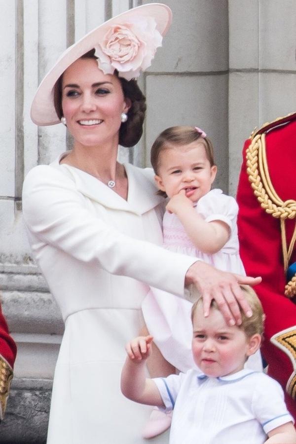 Công nương Anh chia sẻ bí kíp nuôi dạy con cái trong gia đình hoàng gia - Ảnh 2