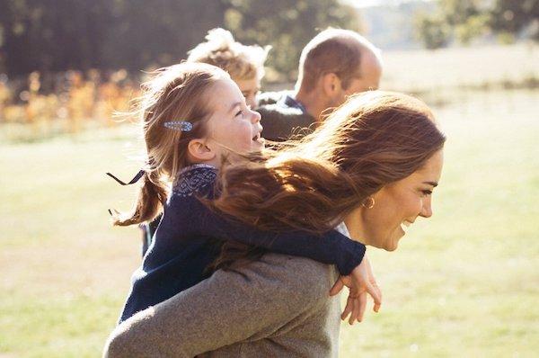 Công nương Anh chia sẻ bí kíp nuôi dạy con cái trong gia đình hoàng gia - Ảnh 3